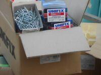 job lot of wood screws 5600 screws 200 per box 28 boxes unifix 7x1.1/2 ...3.5x40mm