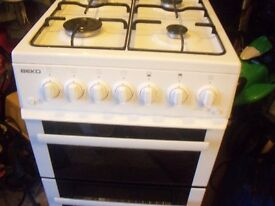 beko gas cooker good very clean working condition white can deliver for fuel