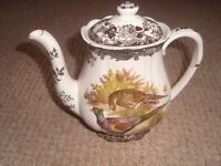 Palissy Game Series Coffee Pot in excellent condition.