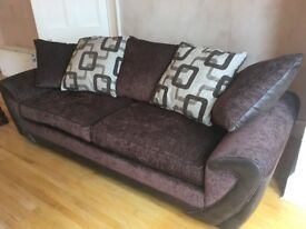 4/5 Seater Sofa (Immaculate condition)