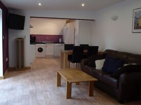Lodge Farm Holiday Barns in Bawburgh Norwich Norfolk - Last minute special deals 2 bed / 4 bed