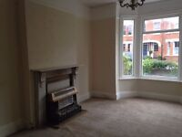 All bills included & Broadband. Large double room to rent close to Town Centre & Sea Front.