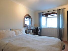 2 Double Bedroom Flat With Parking Located Within Walking Distance To Greenford Town Centre