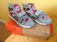 Women's Nike Air Huaraches trainers size 5.5