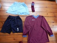 Footie kit for a full team, all large sizes 42/44 maroon/pale blue.