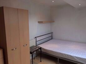 £270pcm -LARGE ROOM furnished Includes Bills No dss - Deposit Required (270)