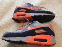 Nike Air Max - Ladies - Size UK 6