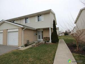 $149,400 - Townhouse for sale in Tecumseh