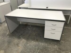 Office Desk in excellent condition 1700 x 740 x 700mm