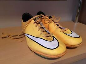 Nike MERCURIAL Astro Football Boots Size UK 5
