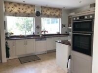 Large shaker kitchen with granite worktops for sale in East Sheen.