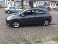 immaculate condition Toyota auris .family 5 door car ,petrol,fresh 1year MOT,full service history