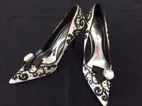 Karen Millen shoes size 4