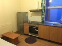 Bedsit room with own kitchen available!!