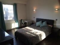 Large 3 bed flat in great location with free parking.
