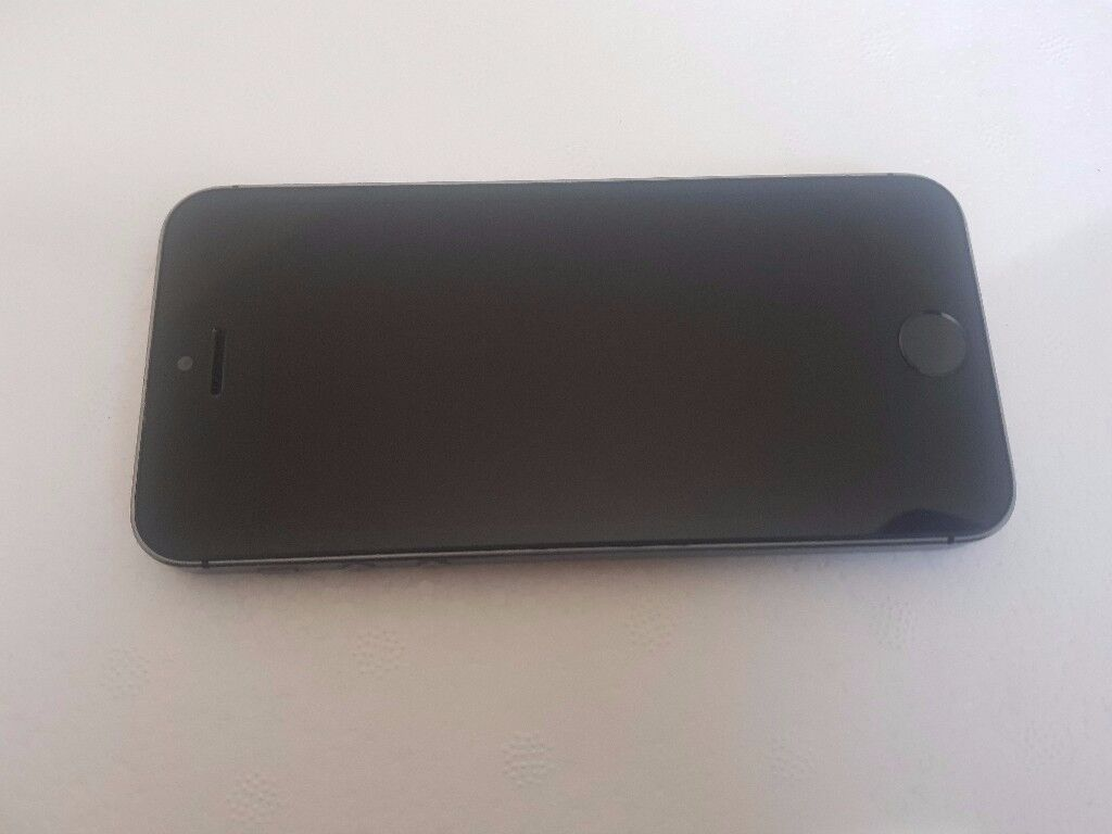 Apple iPhone 5s 16GB Space grey Unlocked in average condition with Fingerprint Sensor Fault