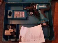 NEW Makita Drill - 6337DWDE3 plus x2 2.6Ah batteries