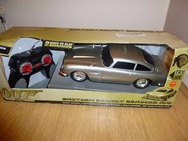 James Bond Skyfall DB5 Aston Martin Remote Control Car