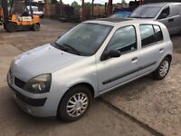 Renault clio 5dr very clean reliable car 2003. 1.2