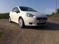 White Fiat Grande Punto Sporting 1.4 61000 miles