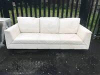 3 seatet Sofa white leather