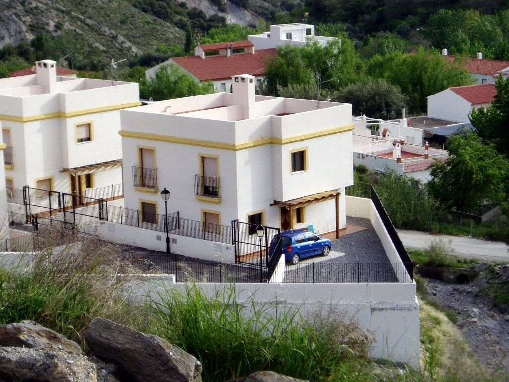cd1babb135 3 bed 2 bath villa for sale Andalusia Spain