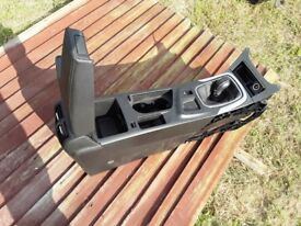 VARIOUS CAR INTERIOR PARTS SUCH AS SEATS, SWITCHES AND KNOBS, WINDOW MOTORS AND MORE! BARNSLEY S74