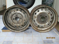 Pair of wheels for Triumph TR6 - early type