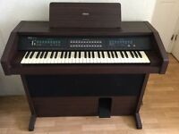 Yamaha SK-500 Organ. Excellent condition !!!