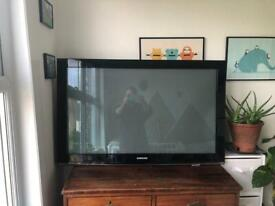 Samsung 43inch TV with mount and stand