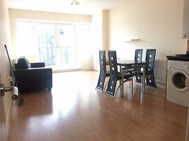 Maxwell Estates are pleased to offer this lovely bright one bedroom flat is situated in Hackney,