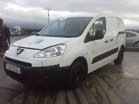 **For breaking** 2010 Peugeot Partner van 1.6 diesel (5 speed).