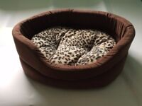 CAT/SMALL DOG BED-LUXURY SOFT FAUX SUEDE