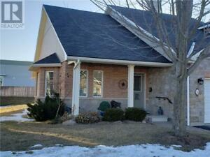 34 VILLAGE CRESCENT Peterborough, Ontario