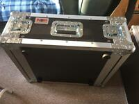 4 unit hard rack flight case