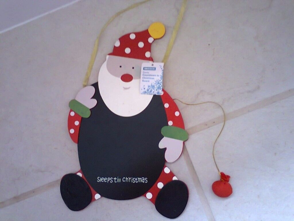 Wooden hanging sign chalkboard.......just £1.50....Countdown to Christmas !!!........NEW