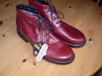 Lady's walking boots