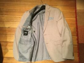 BURTONS MENSWEAR JACKET size medium, chest 38-40 inches. ABSOLUTE BARGAIN PRICE.