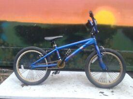 Schwinn KO 20 inch BMX Bike 25 x 9 Teeth Gear Ratio (3-1) MINT Condition