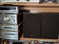 Technics Hi-fi stereo with cd player tape deck radio and remote