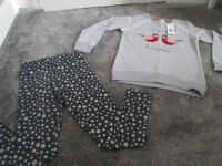 BNWT - GIRLS TWO PIECE CHRISTMAS OUTFIT - AGE 8-9 YEARS - IDEAL GIFT