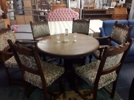 Table and 6 chairs gothic look