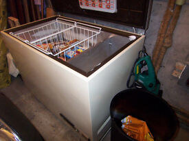 LARGE CHEST FREEZER ELECTROLUX