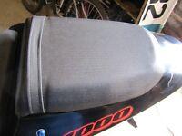 SUZUKI GSXR 1000 K2 Breaking for Rear Pillion Seat Parts £30 Anglesey 07870 516938