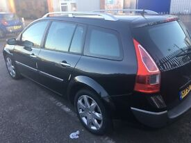 Excellent condition Renault megane estate 6 speed with double sunroof