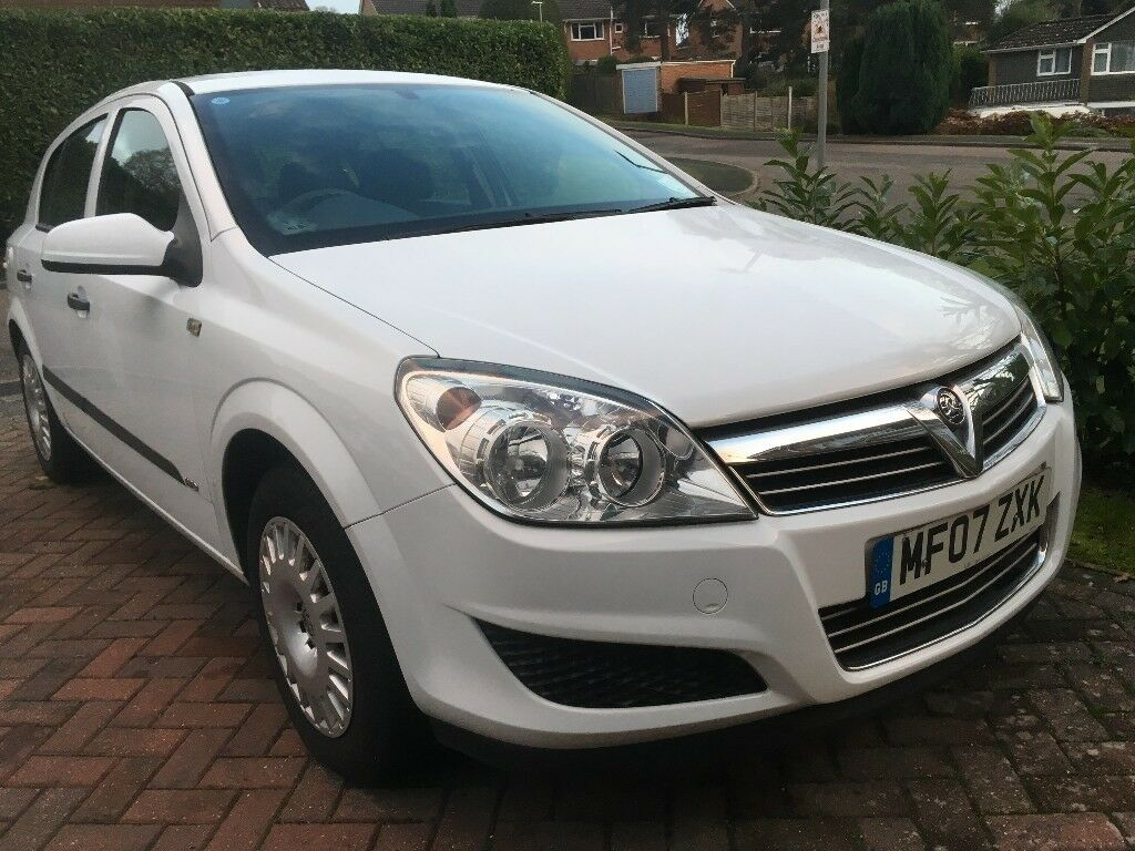 VAUXHALL ASTRA Dual Fuel LPG. Low Running Cost at only £0.66p Litre! Low Mileage for Year.