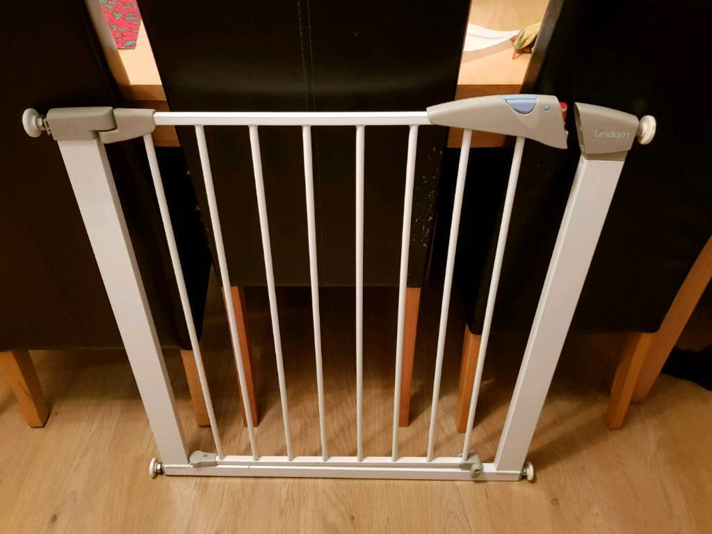 Lindam Pressure Fittings Stair Gate For Sale In Bedminster