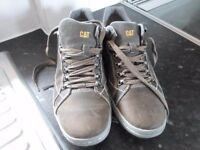 CATERPILLAR CAUSAL TRAINERS SIZE 8