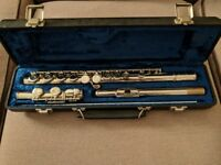 Flute in good condition, with case