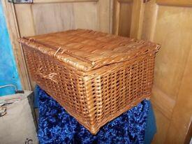 Very Large wicker picnic / hamper basket